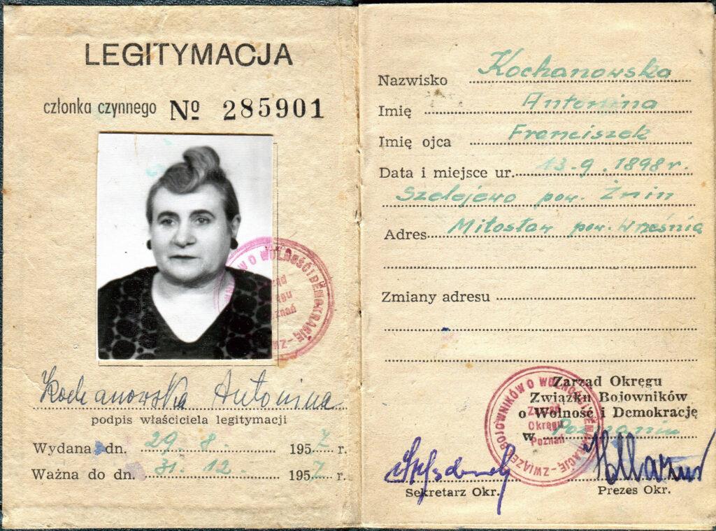 Antonina Kochanowska - Legitymacja ZBOWiD (udostępnił Remigiusz Maćkowiak)