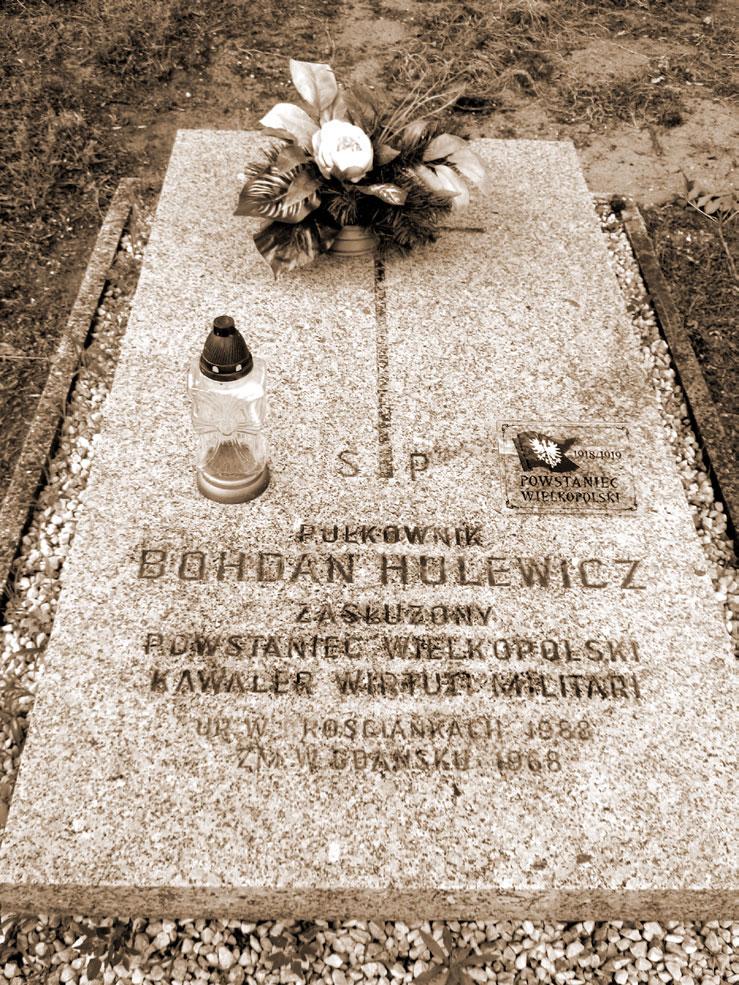 Grób Bohdana Hulewicza w Graboszewie