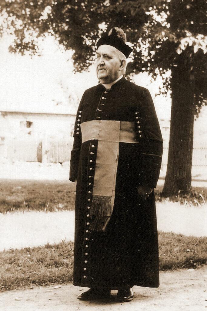 Edmund Konarski w Szemborowie ok. 1950 (zdjęcie udostępnił Marian Torzewski)