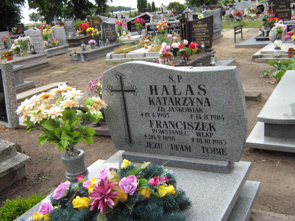 Franciszek Hałas - cmentarz parafialny w Grodziszczku (autor zdjęcia: Remigiusz Maćkowiak)