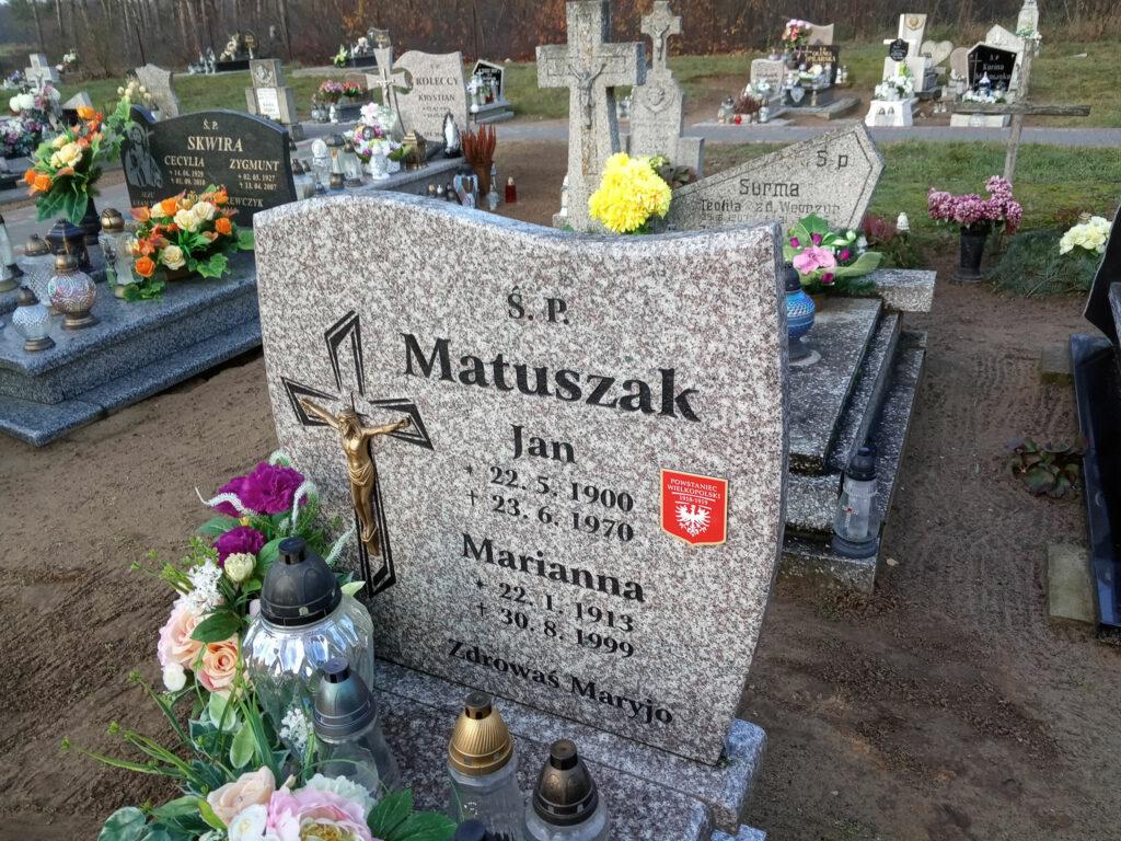 Cmentarz w Bardzie (autor zdjęcia: Remigiusz Maćkowiak)