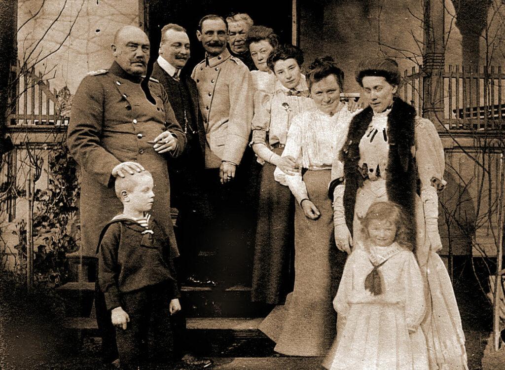 Kazimierz Grudzielski w otoczeniu rodziny