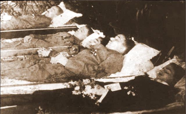 Polegli powstańcy wrzesińscy podczas bitwy o Szubin w dniu 8.01.1919 r. (pod komendą Wiewiórowskiego). Pierwszy od góry - Stanisław Krotofil (1890 -1919), drugi od dołu Franciszek Grześkowiak