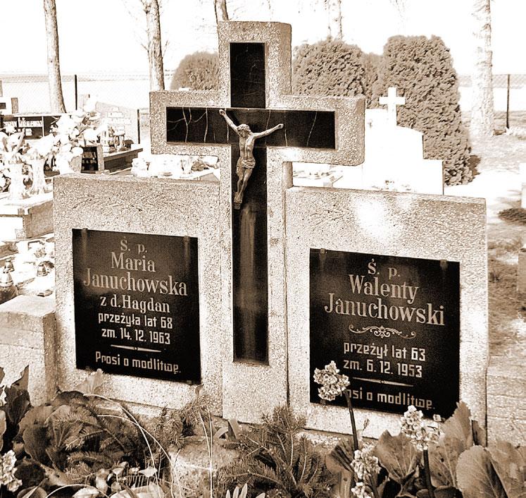 Walenty Januchowski - cmentarz w Szemborowie