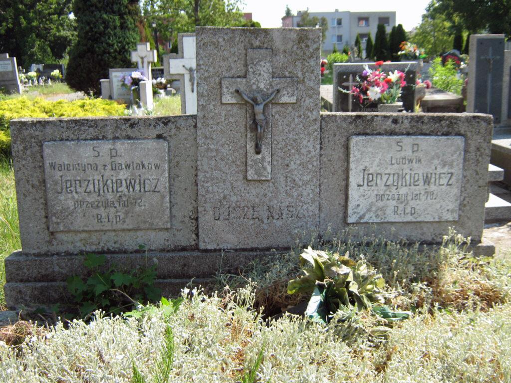 Walentyna Jerzykiewicz - cmentarz parafialny we Wrześni  (zdjęcie udostępnił Remigiusz Maćkowiak)