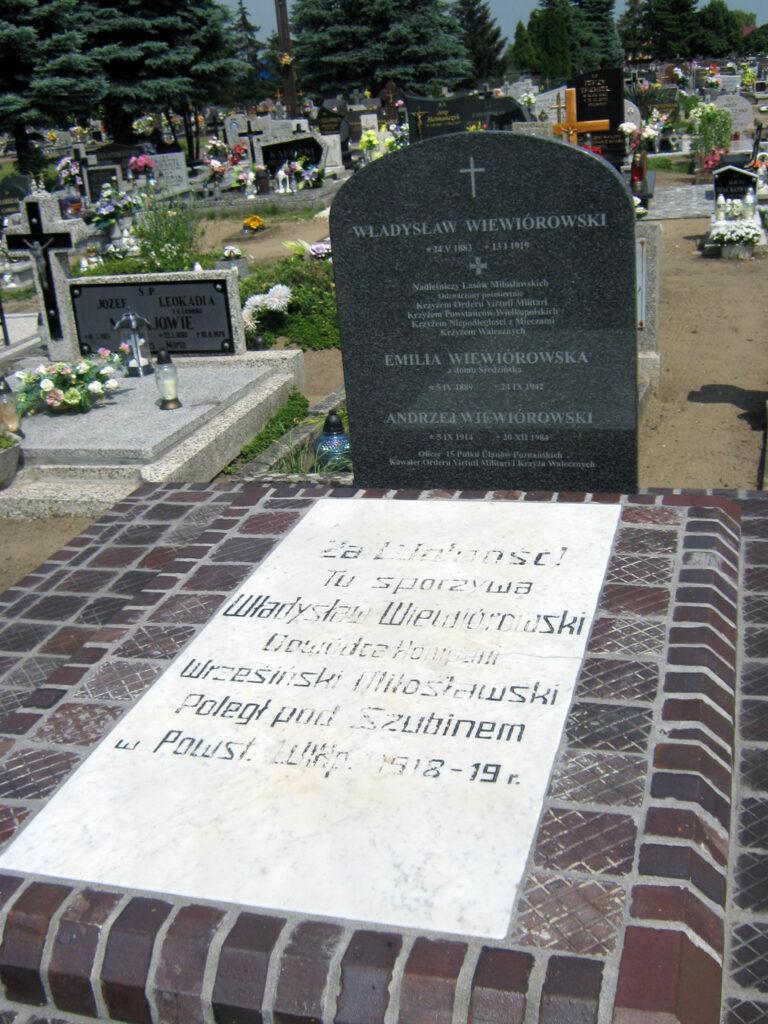Władysław Wiewiórowski - cmentarz w Miłosławiu (autor zdjęcia: Remigiusz Maćkowiak)