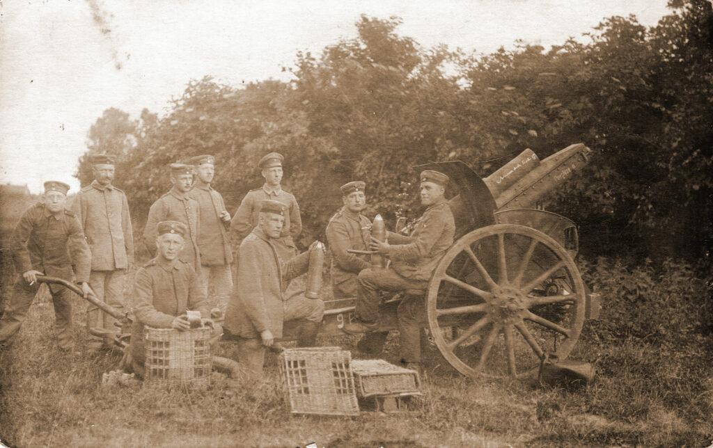 Antoni Bilski - pierwszy z prawej (zdjęcie udostępnił Remigiusz Maćkowiak)