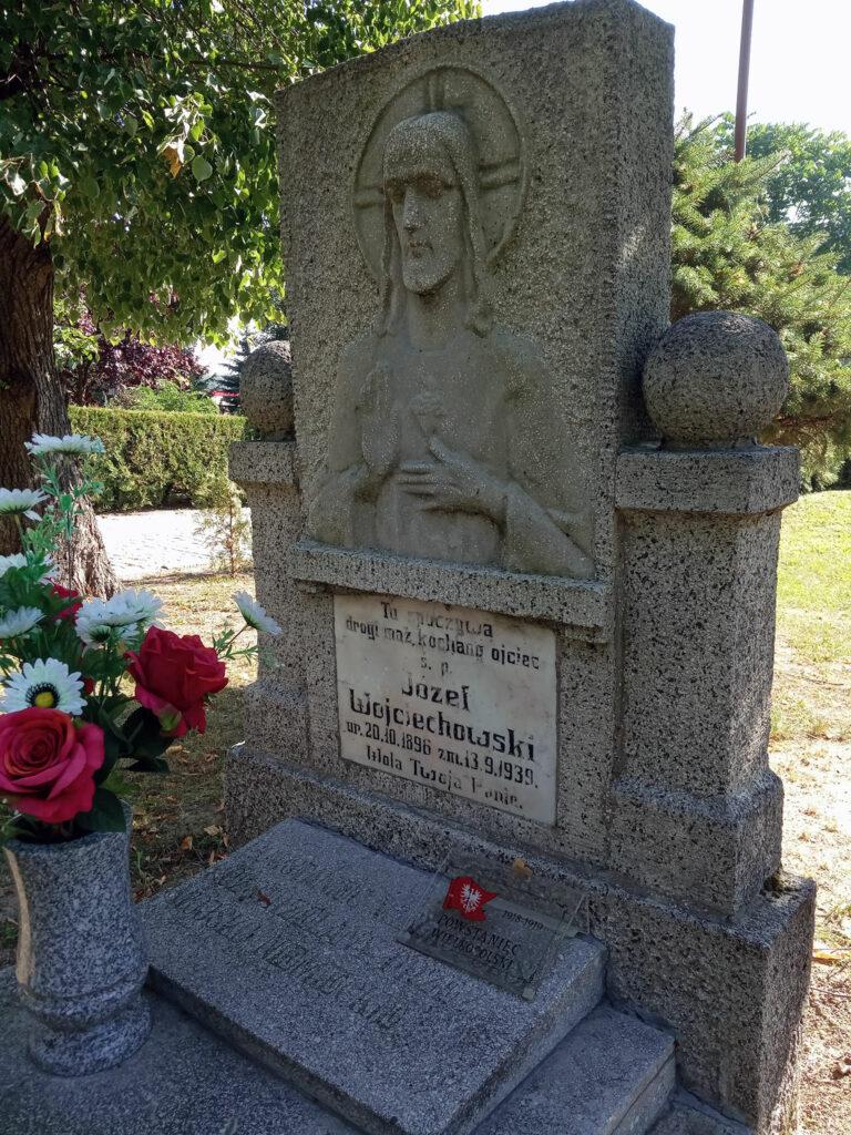 Józef Wojciechowski - cmentarz parafialny w Grzybowie (zdjęcie udostępnił Remigiusz Maćkowiak)