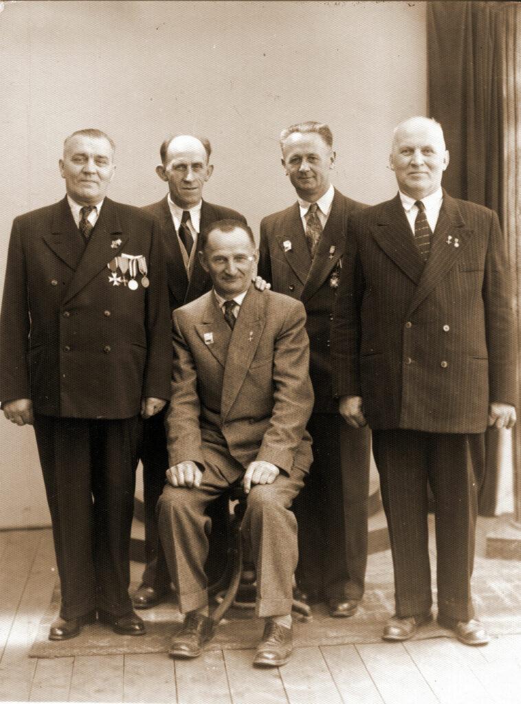 Piotr Smoczyński (pierwszy z prawej) (zdjęcie udostępnił Remigiusz Maćkowiak)