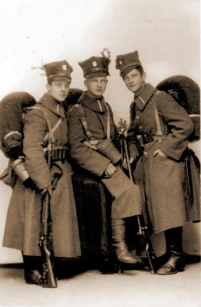Władysław Pruski (w środku) (zdjęcie udostępnił Remigiusz Maćkowiak)