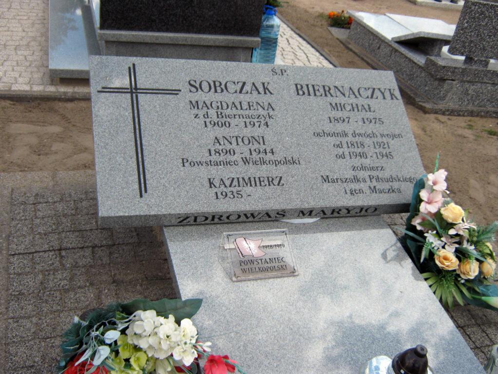 Antoni Sobczak - cmentarz parafialny w Kaczanowie (zdjęcie udostępnił Remigiusz Maćkowiak)