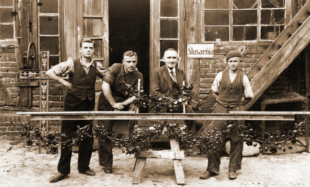 Franciszek Kromolicki (drugi od prawej) (zdjęcie udostępnił Remigiusz Maćkowiak)