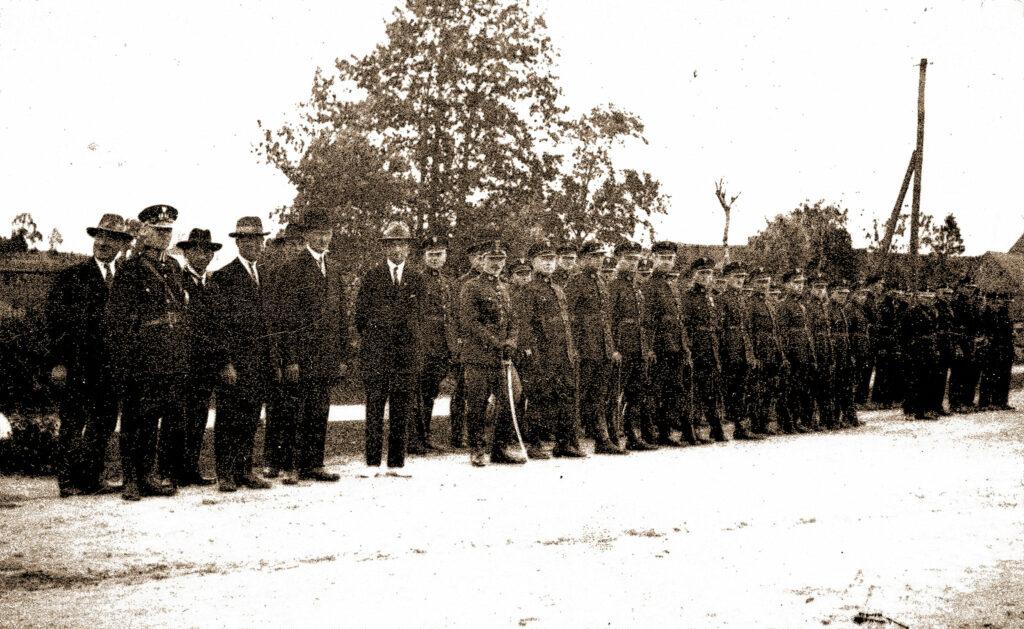 Strażnicy graniczni z placówki w Praszce lata 30-te (zdjęcie udostępnił Błażej Janiszewski)