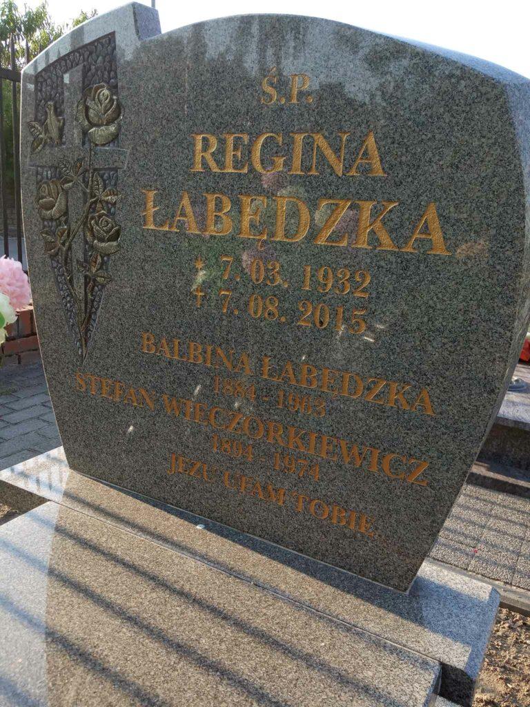 Stefan Wieczorkiewicz - pochowany na cmentarzu parafialnym w Marzeninie . Po latach prochy przeniesiono na cmentarz w Opatówku (zdjęcie udostępnił Remigiusz Maćkowiak)