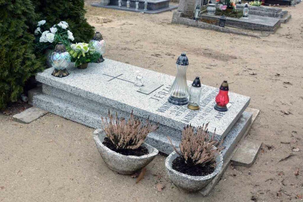 Franciszek Jerzak - cmentarz parafialny w Skokach