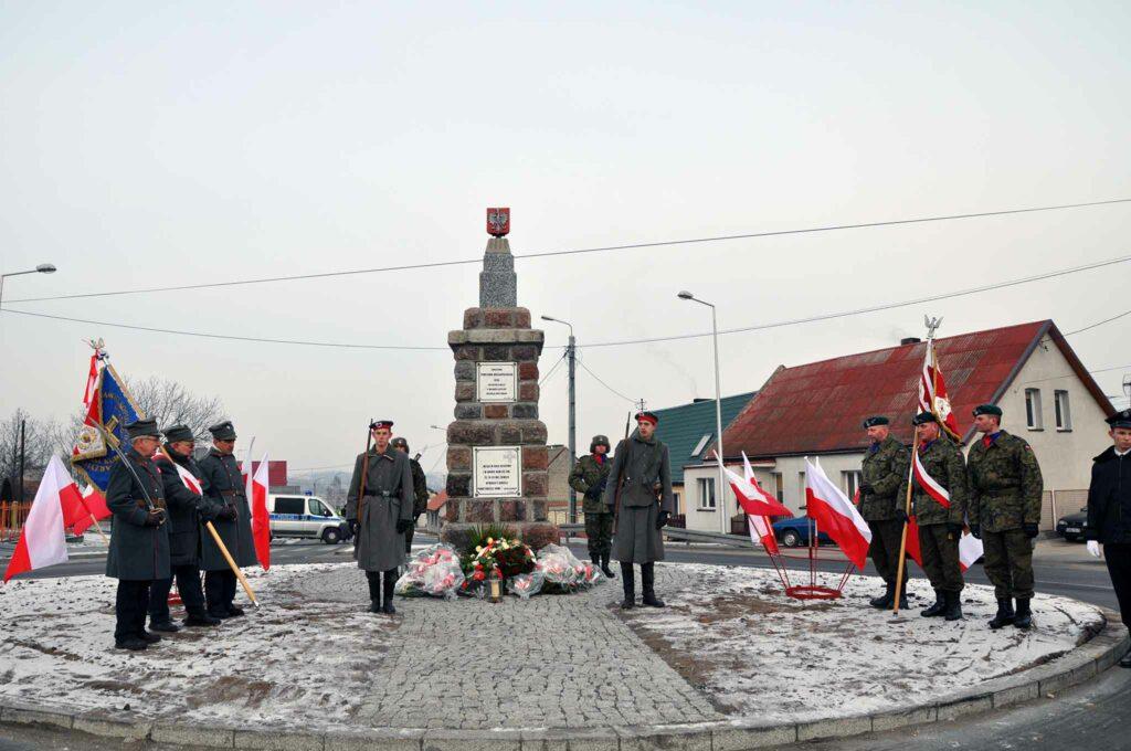 Nazwisko poległego Kazimierza Graczyka widnieje także na jedynej ocalałej  tablicy z odsłoniętego w 1922 roku pomnika w Paterku. Jest ona przechowywana w Muzeum Ziemi Krajeńskiej.