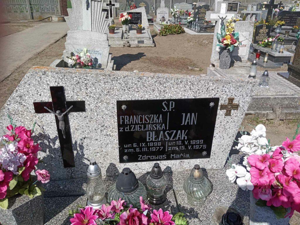 Jan Błaszak - cmentarz parafialny w Stawie (zdjęcie udostępnił Remigiusz Maćkowiak)