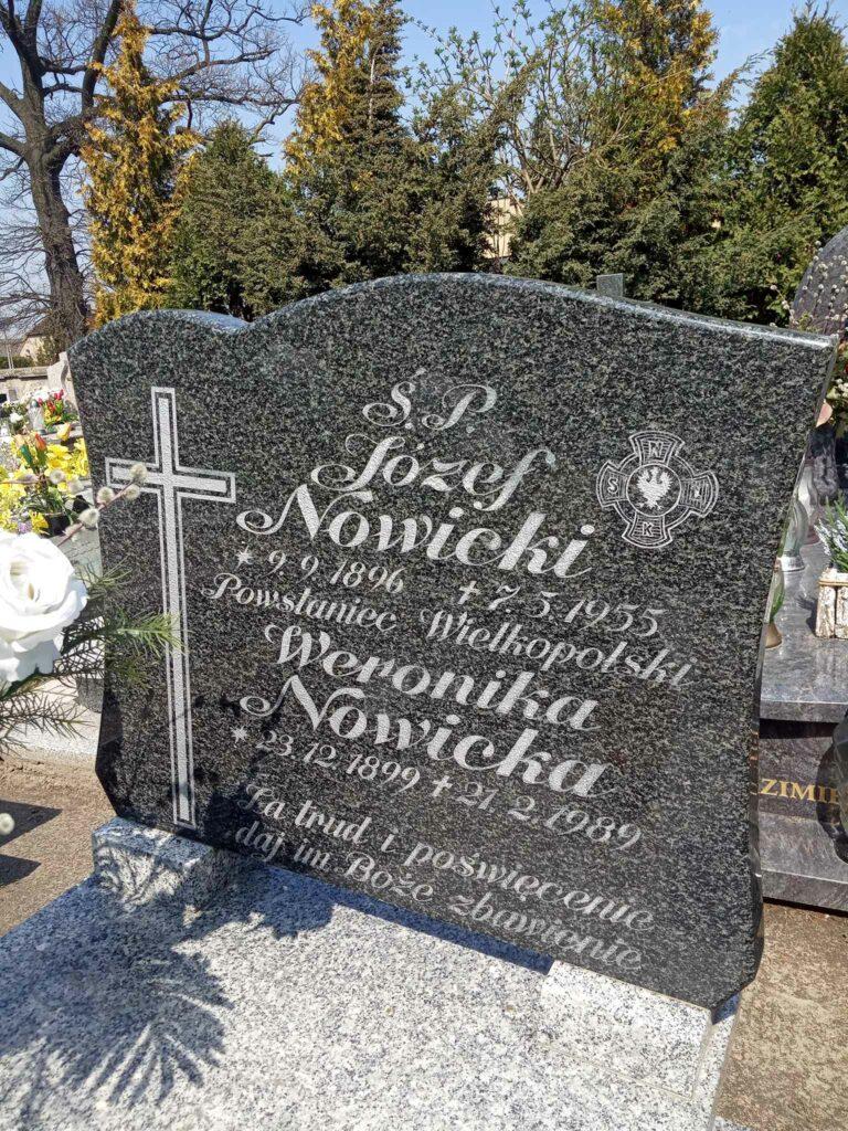 Józef Nowicki - cmentarz parafialny w Strzałkowie (zdjęcie udostępnił Remigiusz Maćkowiak)