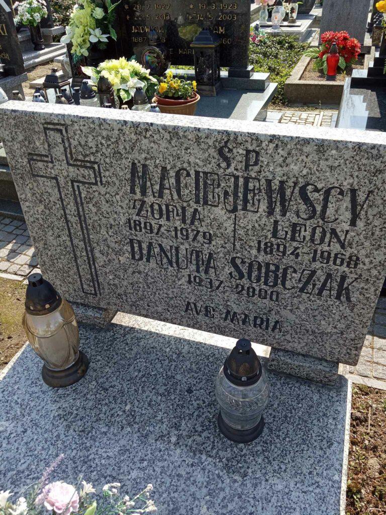 Leon Maciejewski - cmentarz parafialny w Strzałkowie (zdjęcie udostępnił Remigiusz Maćkowiak)