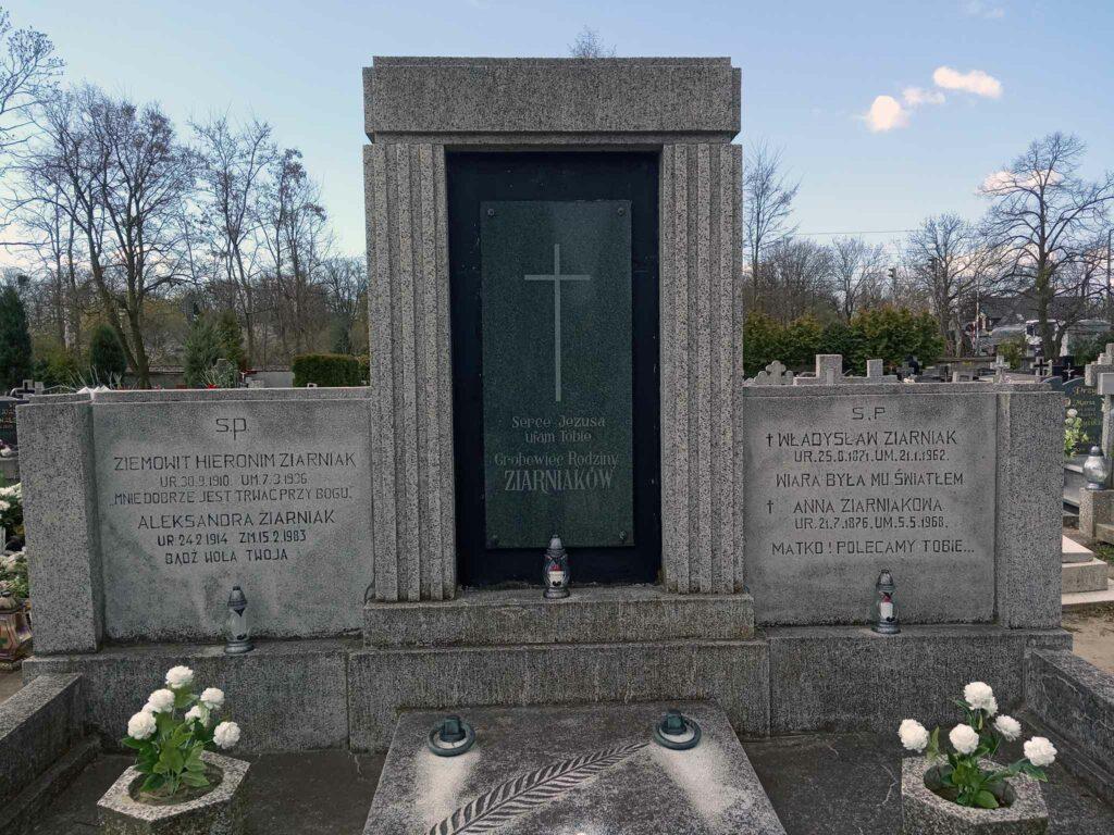 Władysław Ziarniak - cmentarz parafialny w Strzałkowie (zdjęcie udostępnił Remigiusz Maćkowiak)