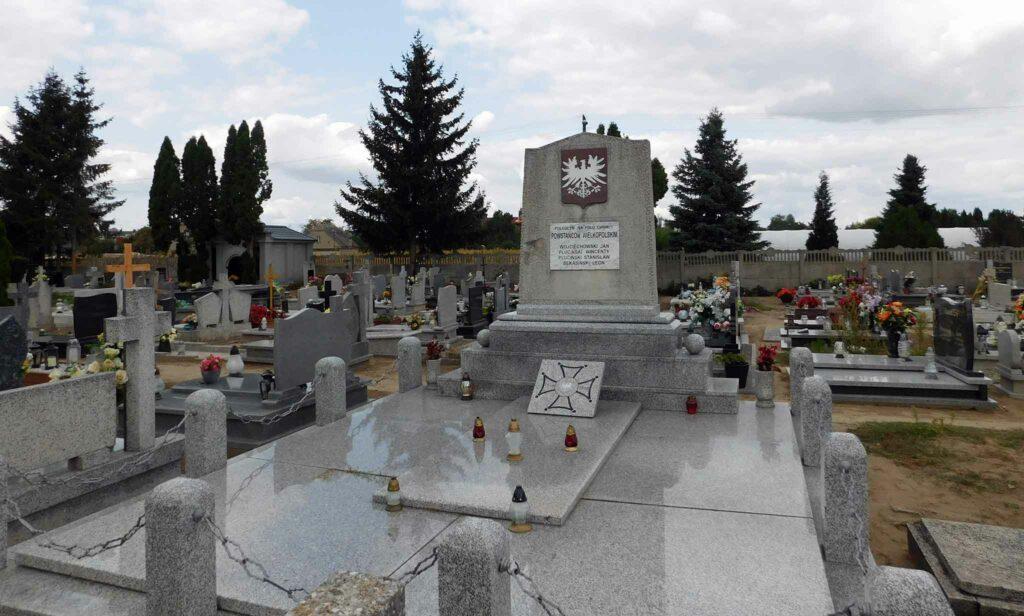 Czerniejewo, cmentarz parafialny - Grób Powstańców Wielkopolskich