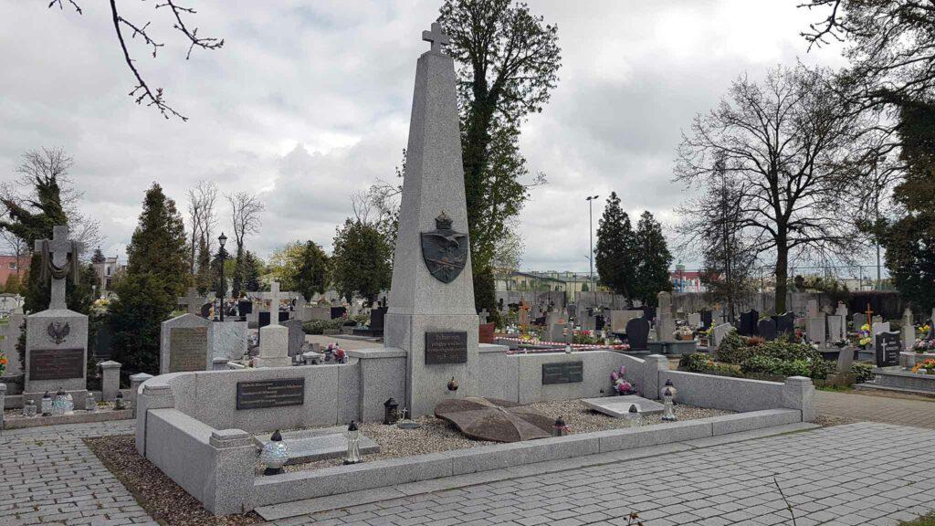 Września, cmentarz parafialny - zbiorowa mogiła Powstańców Wielkopolskich z lat 1918-1919