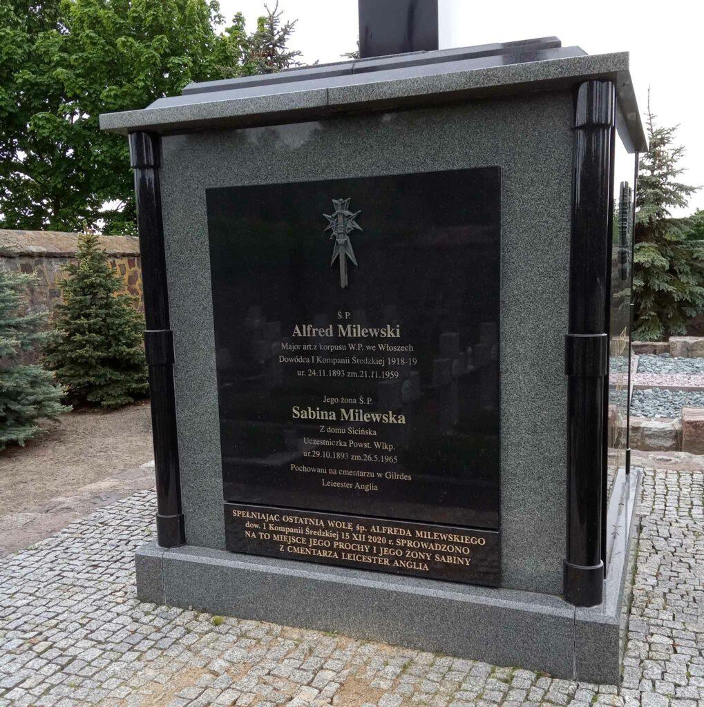 Sabina Milewska - cmentarz parafialny w Środzie Wielkopolskiej (zdjęcie udostępnił Remigiusz Maćkowiak)