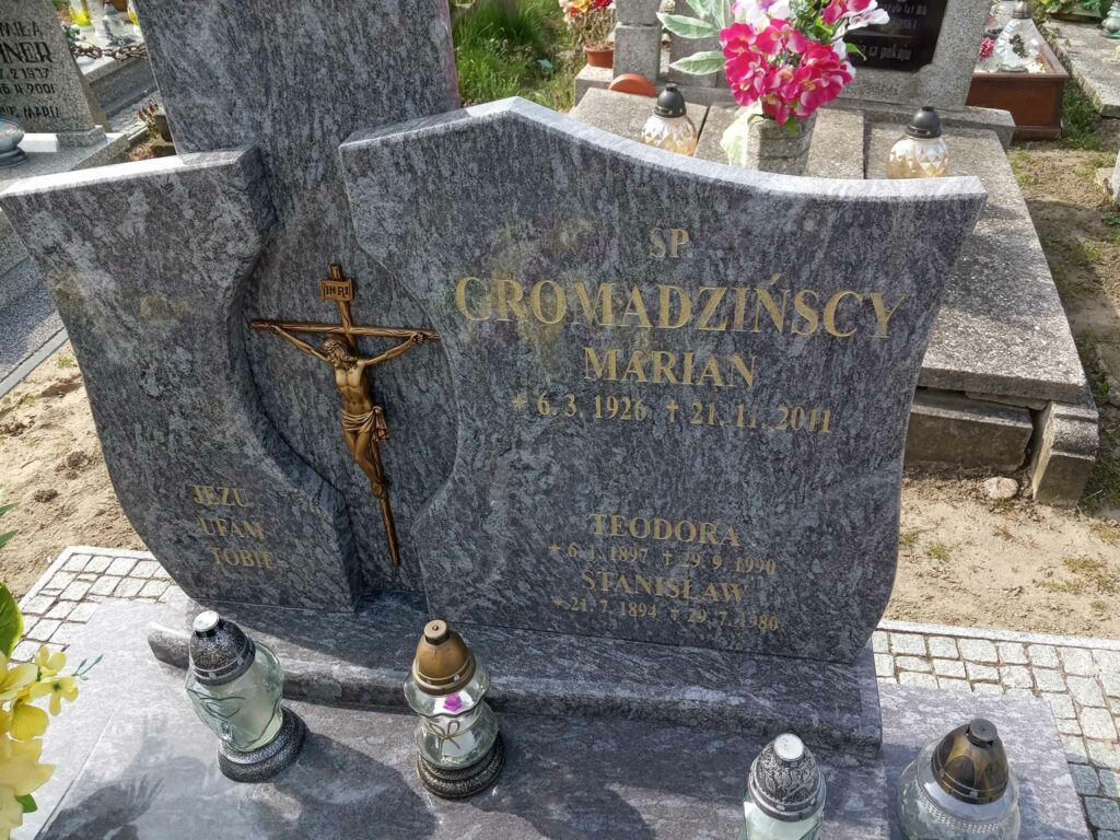 Stanisław Gromadziński -  cmentarz parafialny w Skarboszewie (zdjęcie udostępnił Remigiusz Maćkowiak)