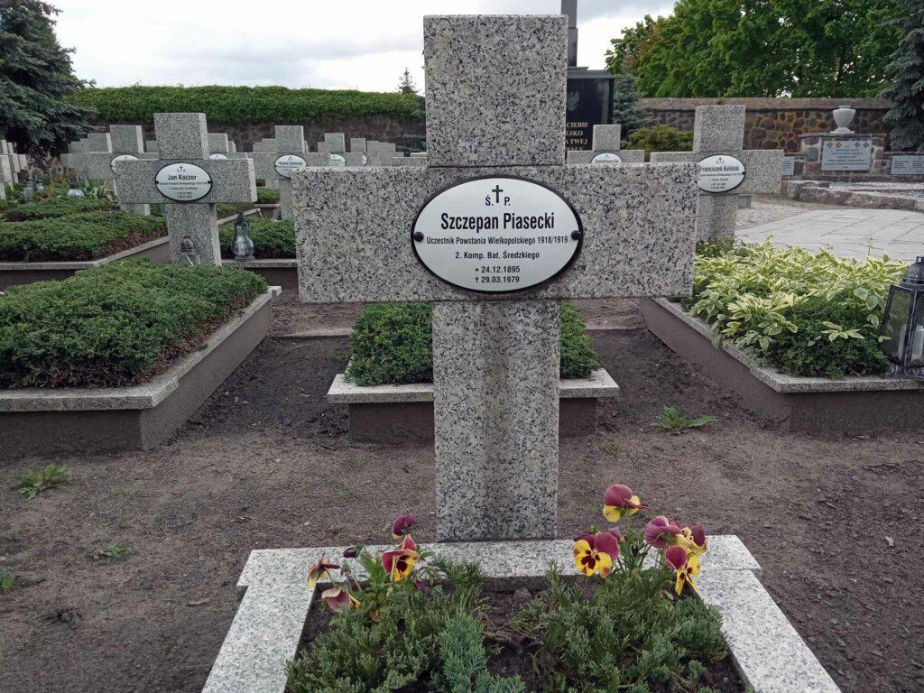 Szczepan Piasecki - cmentarz parafialny w Środzie Wielkopolskiej (zdjęcie udostępnił Remigiusz Maćkowiak)