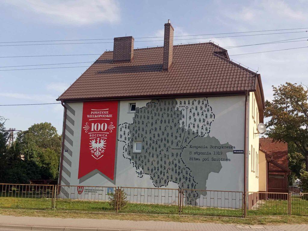 Mural w Kołaczkowie przy ulicy Wrzesińskiej (autor Filip Fajfer)